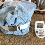 Method 1, Water bath, variation B: Dutch oven wrapped in a towel with probe thermometer